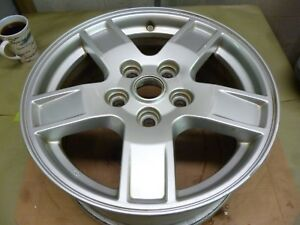 2005 2007 Jeep Grand Cherokee 17 Silver Alloy Wheel Hollander 9053