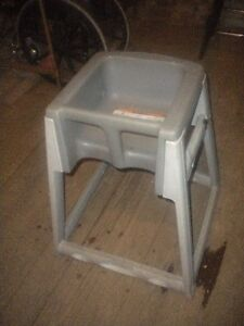 Lot Of 2 High Chairs And 3 Toddler Booster Chairs Must Sell Send Any Any Ofer