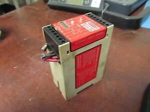 Banner Machine Safety Relay Es fl 2a 24v Used