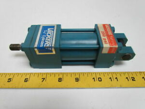 Vickers T j Te10caca Pneumatic Air Cylinder 1 1 2 Bore 1 Stroke Clevis Mount