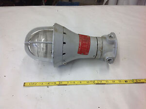 New Crouse Hinds Evcx215 Explosion Proof Incandescent Industrial Light Fixture