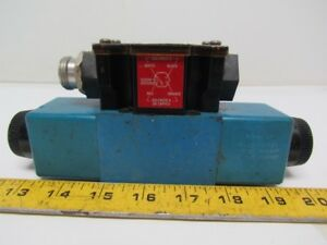 Vickers Dg4v 3s 6c m fpa5wl b5 60 Hydraulic Directional Control Valve