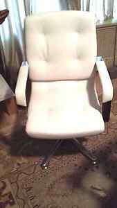 Whiteline Princeton Mid back Visitors Chair Padded Arms Seat Fully Assembled