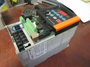 Allen bradley Powerflex 40 Ac Drive 22b d2p3n104 1hp 3ph Out 0 460v 2 3a Used