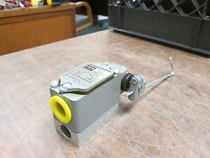 Cutler hammer Limit Switch 10316h287c 600vac Max Used