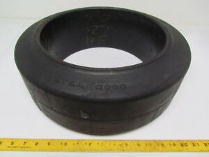Goodyear 17 x6 x12 1 8 Press On Solid Rubber Smooth Forklift Tire Wheel