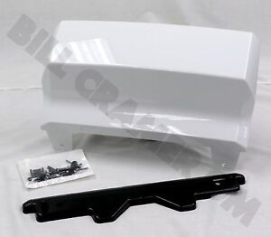 2015 2018 Chevrolet Suburban Tahoe Gm Oem Trailer Hitch Cover Summit White New