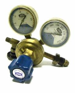 Union Carbide Corp Linde Sg 9048 Gas Pressure Regulator