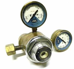 Union Carbide Corp Linde Dual Gauge Pressure Regulator