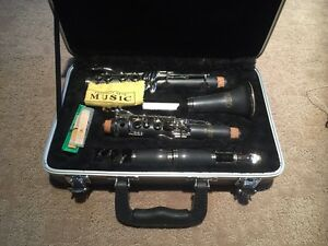 olds clarinet NC 110P