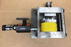 Enerpac Rsm300 30 Ton 1 2 Inch Stroke Hydraulic Cylinder Mounted In Press