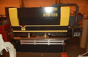 Used Toyokoki Hydraulic Cnc Press Brake 138 Ton Model Hyb 12530