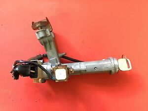 1993 1997 Toyota Corolla Ignition Lock Cylinder Assembly 2 Keys Oem 45020 12 10