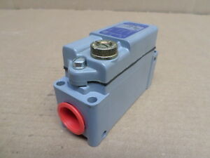 Square D Aw36 Roller Limit Switch