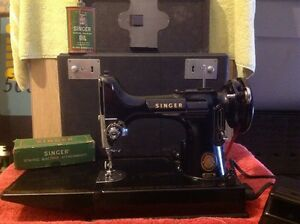 Singer Antique Sewing Machine 1940