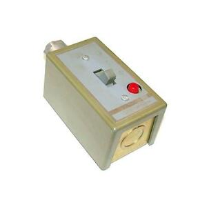 Square D Manual Motor Starter Switch 30 Amp Model 2510k01a 3 Available