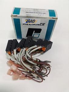 Reliance Electric Carbon Motor Brush Lot Of 7 Re690 a Nib kjs