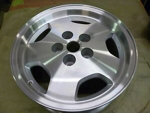 1997 1998 Jeep Grand Cherokee 16 Inch Alloy Wheel Hollander 9017