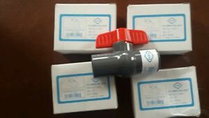 Lot Of 4 1 2 Threaded Pvc Ball Valves Schedule 80 150 Psi