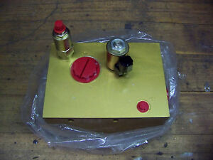 Eaton Vickers Hydraulic Manifold Assembly Includes Vickers Rv1 6799