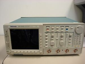Tektronix Tds 684b 4 Channel Oscilloscope W Cover Case Working Tds684b