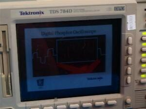 Tektronix Tds540c 500mhz 1gs s Four Channel Digitizing Oscilloscope W o Stand