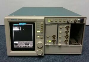 Tektronix 11403 Color Digitizing Oscilloscope W 11a72 11a34 Modules Amplifier