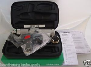 Welch Allyn Otoscope Set 25070 mc With Macroview Otoscope Handle new In Box