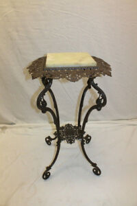 Elegant 19th Century American Victorian Cast Iron Marble Top Lamp Table Stand