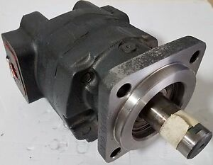 New Parker Motor 323 9218 001 Sae 4b 52 2 Cid 1 Dia Shaft
