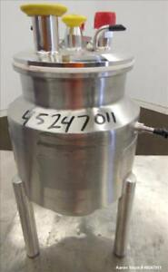 Used Dci Reactor 3 Liter 0 79 Gallon 316 Stainless Steel Vertical 6 Dia