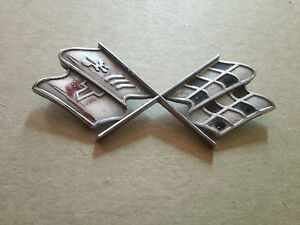 Vintage Chevrolet Cross Flags Emblem Sign Badge Nameplate Script Metal Ornament