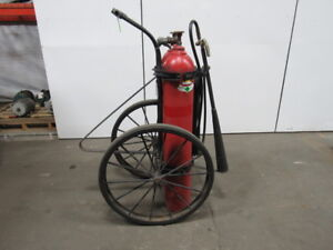 C o two 100 Lb Vintage Wheeled Co2 Charged Fire Extinguisher 25 Hose