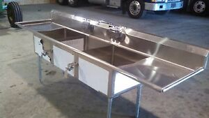 Stainless Steel 3 Bay Sinks W overhead Rinse
