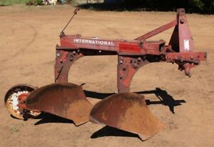 International Harvester 420 2 Bottom Plow 3pt Hitch Ih Super Chief On land
