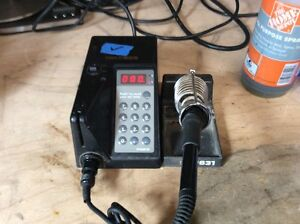 Hakko 929 Soldering Station Unit Programmable Iron No Tip Stand