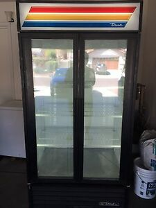 True Gdm 35 Glass Door Refrigerated Merchandiser