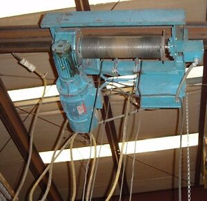 Saturn Engineering 1 Ton Cable Hoist On A Trolley Removed From Working Service
