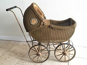 Antique Wicker Vintage Baby Doll Buggy Stroller