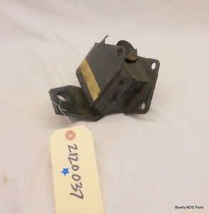 Nos Mopar 1960 62 Plymouth V8 Front Left Engine Mount