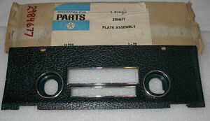 Nos Mopar 1970 Dodge Coronet Plymouth Satellite Radio Trim Bezel Pebble Grain