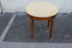 Beautiful French Louis Xvi Round Walnut Piano Bench Stool New Upholstery