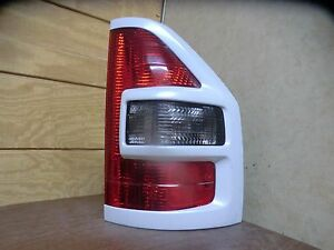 2001 2002 Mitsubishi Montero Xls Passenger Right Side Tail Light Lamp Oem