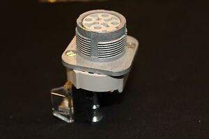 Allen Bradley Two Position Selector Switch With Knob 800t h5a 2