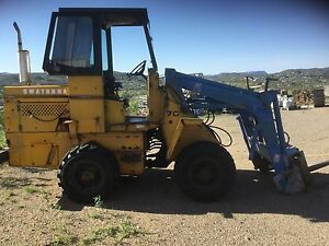 Loader With Bucket And Forks owatona American Made At Omc Articulating Runs