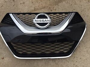 New Oem 2016 2018 Nissan Maxima Factory Grille Comes With Emblem
