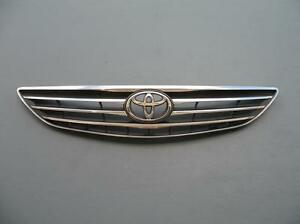 toyota hood emblem in stock replacement auto auto parts. Black Bedroom Furniture Sets. Home Design Ideas