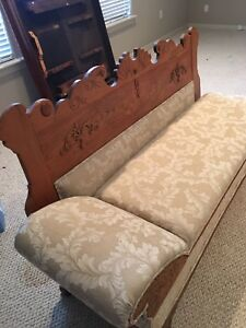 Vintage Fainting Couch Day Bed
