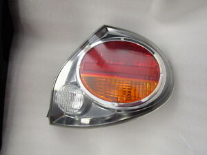 2002 2003 Nissan Maxima Passenger Right Side Oem Tail Light Lens And Housing