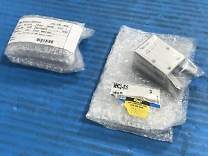 Lot Of 2 New Smc Mhc2 20s Pneumatic Gripper s6